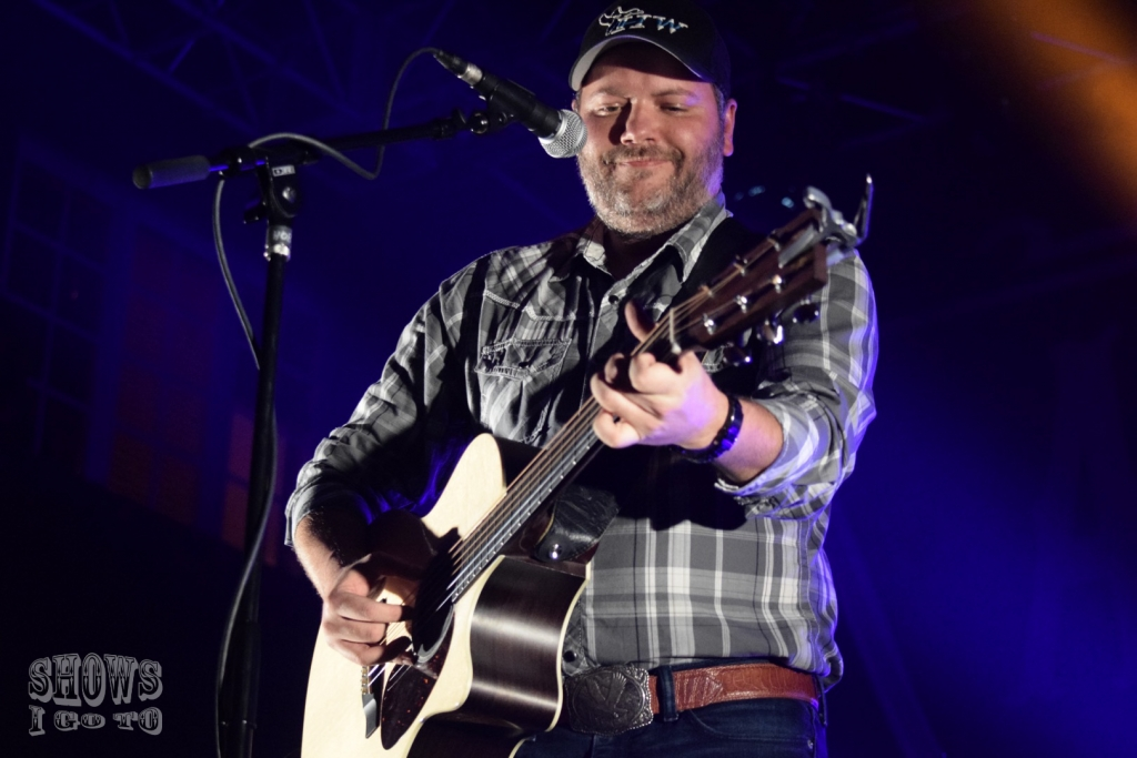 how to play country boy by aaron lewis on guitar