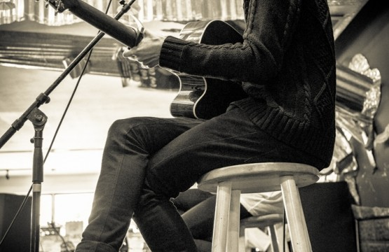 The 1975 Acoustic Live Photo