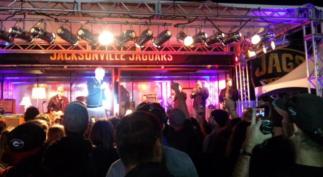 JJ Grey and Mofro play Thursday Night Football Live Review Everbank Field in Jacksonville December 18, 2014