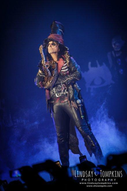 A Celebration Of Strangeness Alice Cooper Live Review Concert