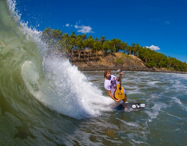 Donavon-Surfing-Guitar