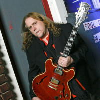 warren haynes ashes and dust album review