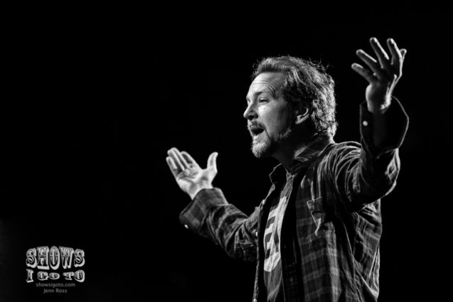 STILL ALIVE: Pearl Jam 25th Anniversary Tour | Pearl Jam Live Review &  Concert Photos | The BBT Center, Sunrise, FL | April 8, 2016 | Shows I Go To
