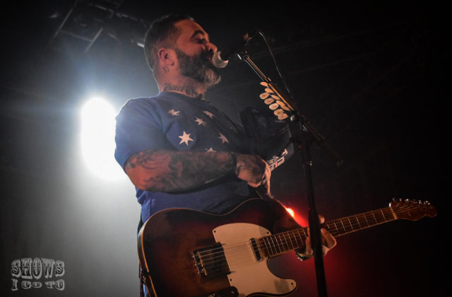 Aaron Lewis Live Music & Review